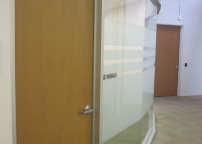 Radius-Glass-Wall-min